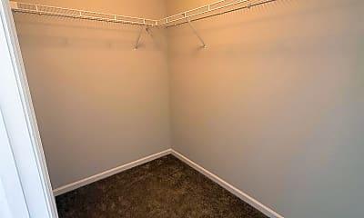 Living Room, 121 Blackwell Ct, 2