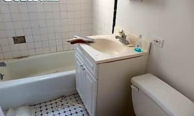 Bathroom, 415 W 47th St, 2