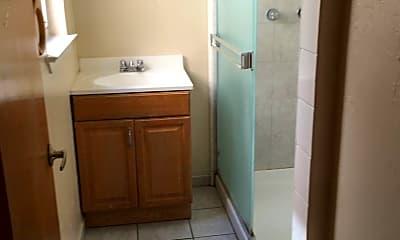 Bathroom, 95 N 8th St, 2