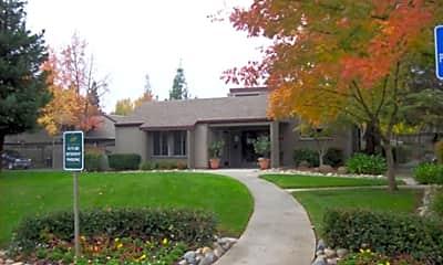 Greenhaven Oaks, 2