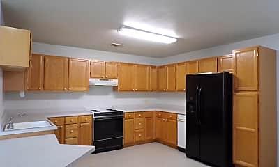 Kitchen, 1010 Highland Dr, 1