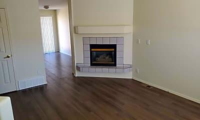 Living Room, 6048 Colony Cir, 1