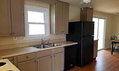 Kitchen, 703 Brynwood Bogs Dr, 1