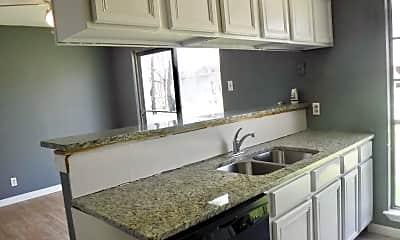 Kitchen, 411 Lynhaven Dr, 1