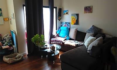 Living Room, 712 S 19th St, 2