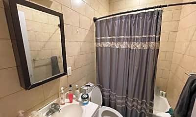 Bathroom, 20-21 Steinway St, 2