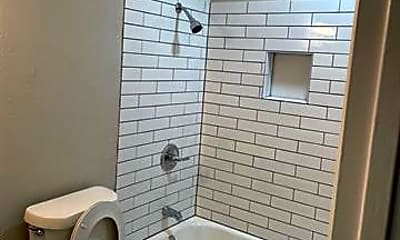 Bathroom, 532 Kent Dr, 1