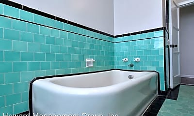 Bathroom, 724 S Genesee Ave, 2