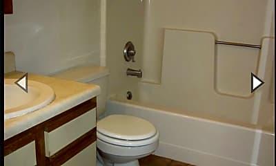 Bathroom, 3401 N 20th St, 2