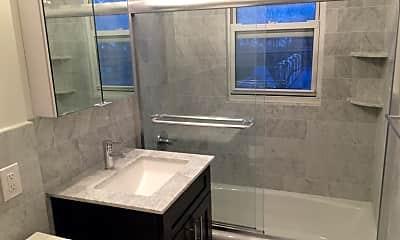 Bathroom, 10 Stevens St, 2