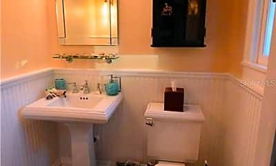 Bathroom, 21 N Thornton Ave, 2