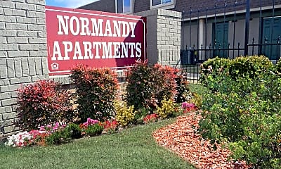 Landscaping, Maplewood Apartments, 0