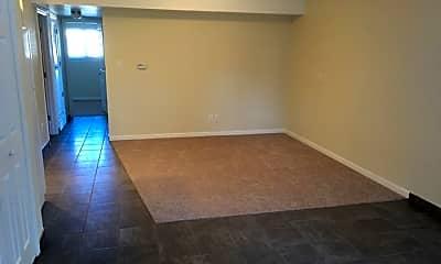 Living Room, 1407 E Flint St, 2