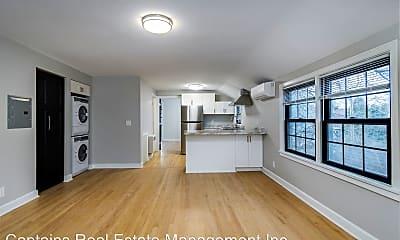 Living Room, 826 W Lakeside St, 0