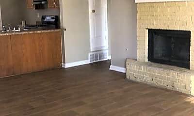 Living Room, 2730 Hampden Cove, 1