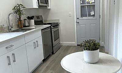 Kitchen, 476 Arleta Ave, 0