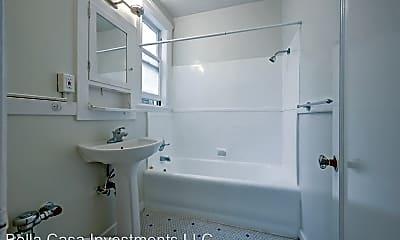 Bathroom, 3554 Pierce St, 2