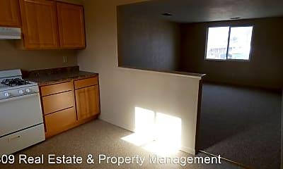 Kitchen, 2702 Pine St, 1