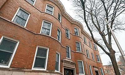 Building, 2608 N Whipple St, 2