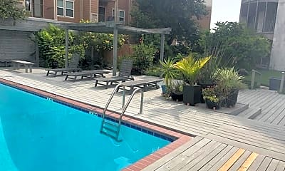 Pool, 823 S Water St, 2