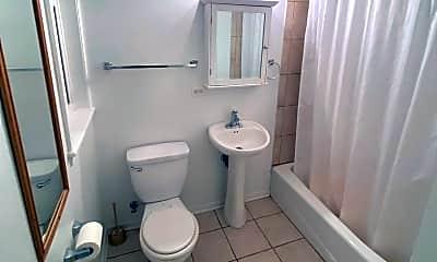 Bathroom, 1034 W Waveland Ave, 2