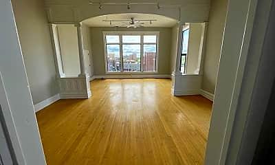 Living Room, 16-20 W. Huron, 1