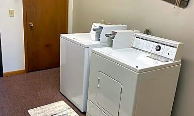 Bathroom, 425 Colby Rd, 2