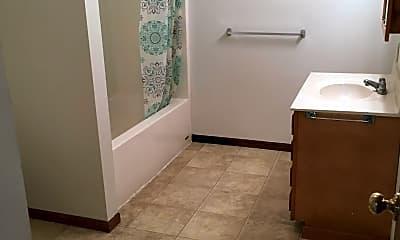 Bathroom, 403 W Lafollette St, 1