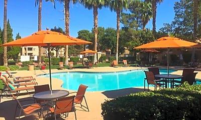 Pool, Parc West, 1