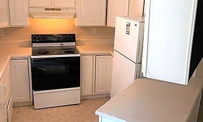 Kitchen, 663 Sheridan St, 1