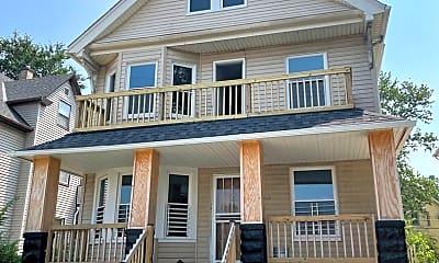 Building, 2829 E 116th St, 1