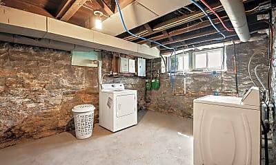 Kitchen, 429 Kingsboro St, 2