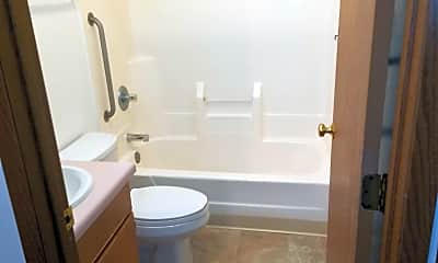 Bathroom, Grinnell Park Apartments, 2