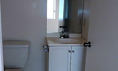 Bathroom, 5971 West Blvd, 1