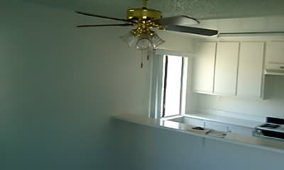 Suncrest Apartments, 2