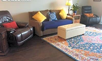 Living Room, 222 W Roosevelt Rd, 0