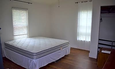 Bedroom, 15 Shem Dr, 2