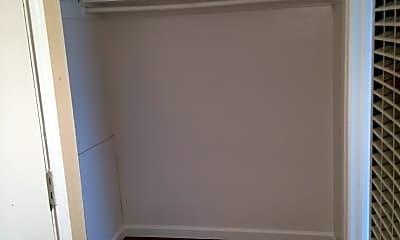 Bathroom, 160 Linden St, 2