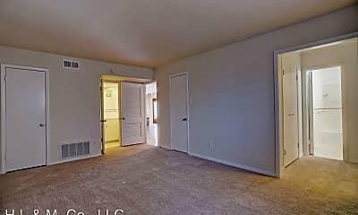 Living Room, 3703 Roseland St, 1