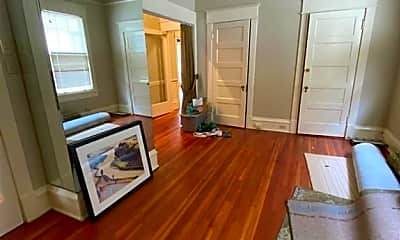 Living Room, 407 Summit St, 1