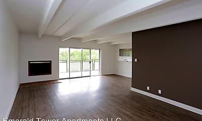 Living Room, 107 W Cheyenne Rd, 1