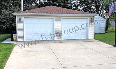 Building, 2321 81st St, 2