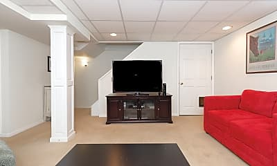 Living Room, 504 Wallace Ave, 2