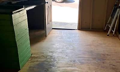 Patio / Deck, 6 Crescent St, 2