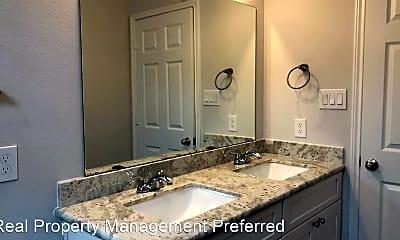 Bathroom, 9214 Nyssa St, 2