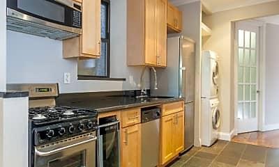 Kitchen, 171 E 102nd St, 2