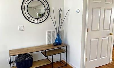 Living Room, 609 E Market St, 1