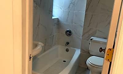 Bathroom, 4403 5th Ave, 2