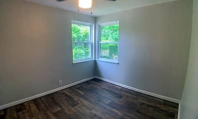 Bedroom, 2402 S Dixie Dr, 2