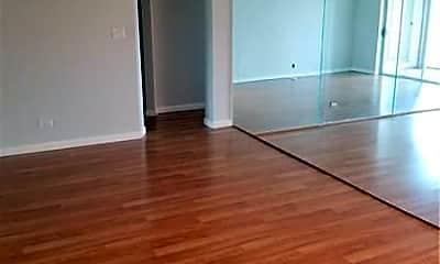 Living Room, 3740 Inverrary Dr 3W, 0